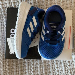 NWT**** Adidas sneakers infant size 18